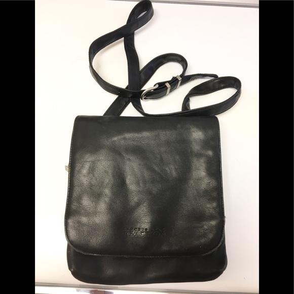 Kenneth Cole Reaction Handbags - Pretty Kenneth Cole Reaction shoulder bag